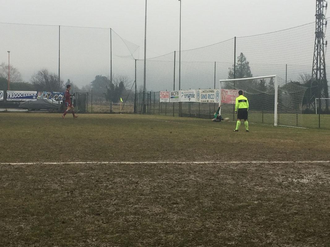 31' 2-1 Torre! Ciccalé viene atterrato in area e il direttore di gara fischia calcio di rigore: dagli 11 metri Rondini firma il sorpasso.