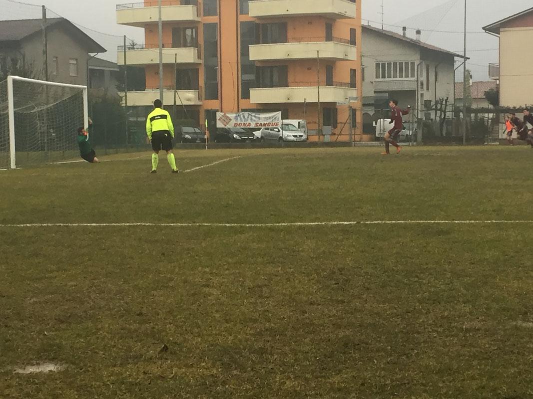 66' Secondo calcio di rigore del match per il Torre: questa volta Rondini spara alto sul fondo.